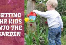 Kids into the Garden