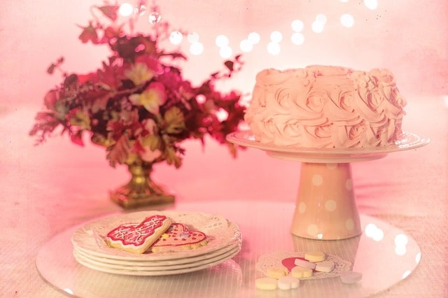 Beautiful Light Pink Birthday Cake Design Ideas