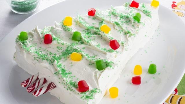 Creamy Chirstmas Tree Cake Design