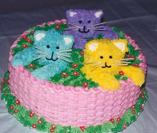 Kitten Basket Birthday Cake Design Ideas