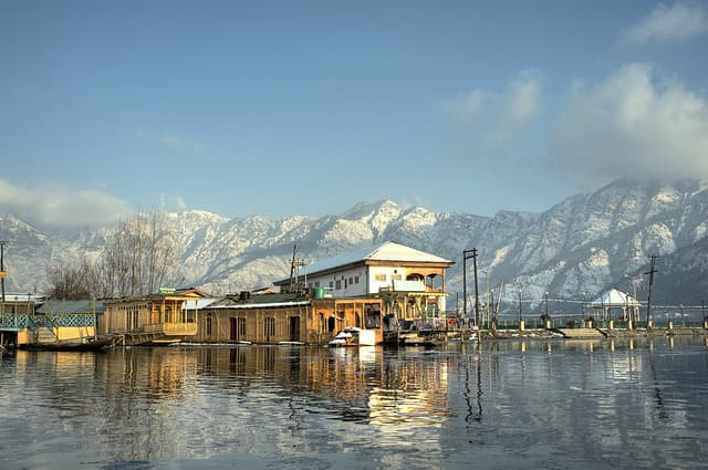 Srinagar, Jammu & Kashmir - best places for valentines day