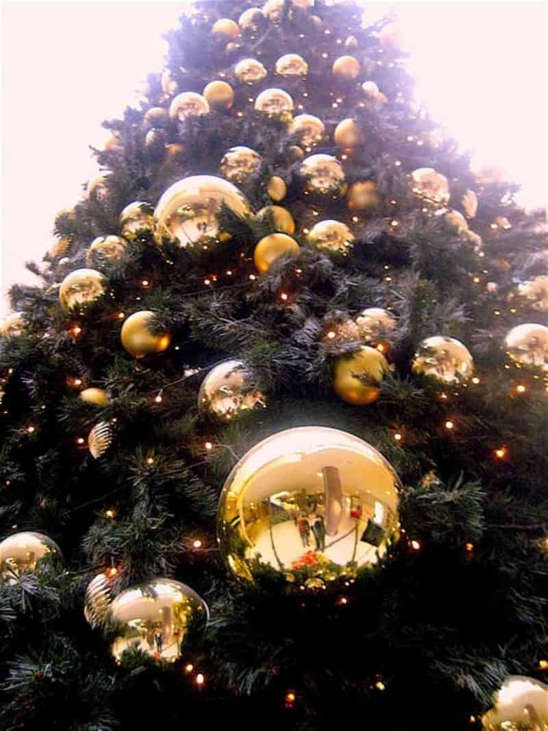 Gold Colored Bubles Christmas Tree