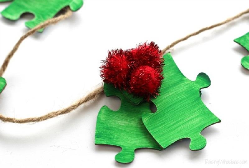 Puzzle Piece Holly Garland - Winter Craft