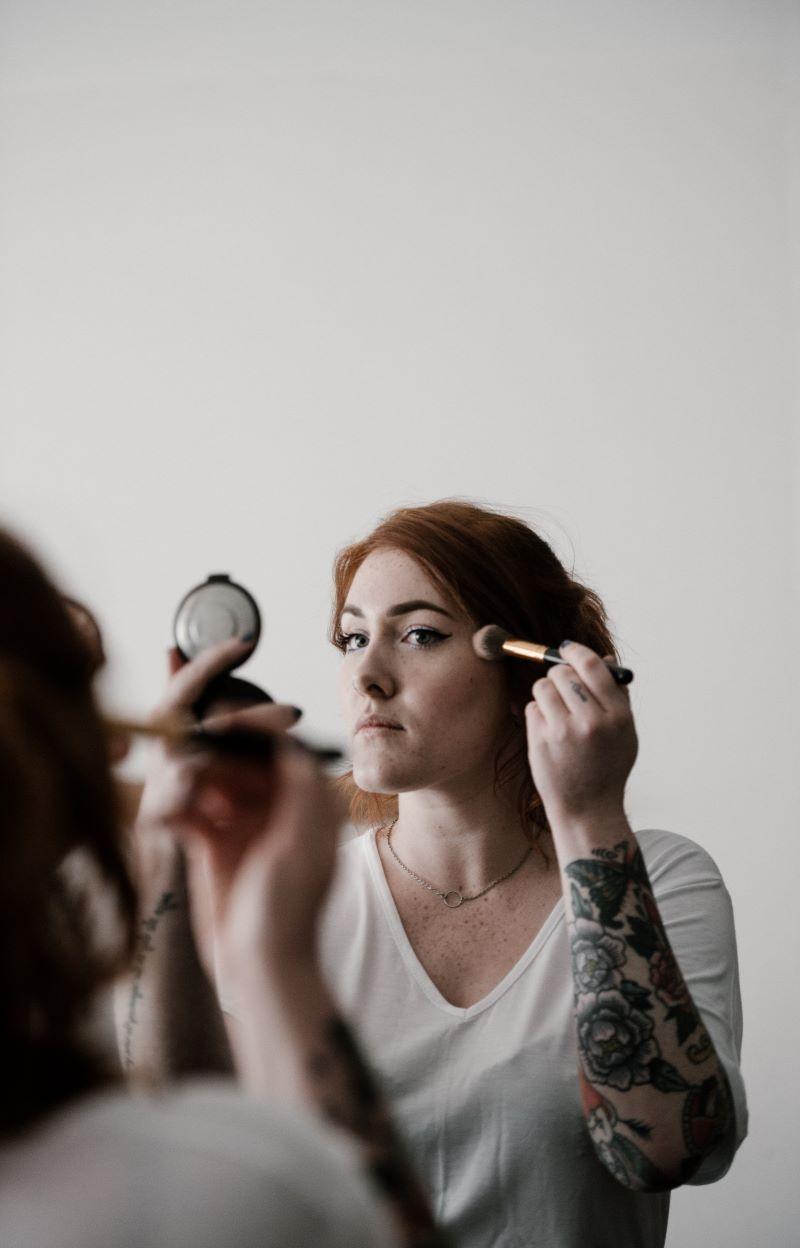 Sunder makeup